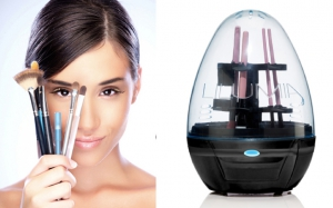 A Cleaning Device for Makeup