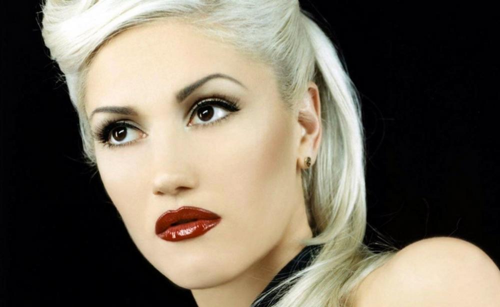 No Doubt About It; Gwen Stefani Loves Makeup