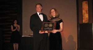 Lisa Fine Receives NAPIM's Ault Award