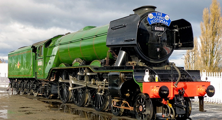Flying Scotsman Returns Painted in Iconic Livery