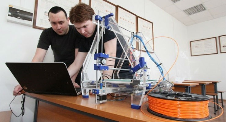 Scientists Develop Self-Learning Arm Controlled by Thought