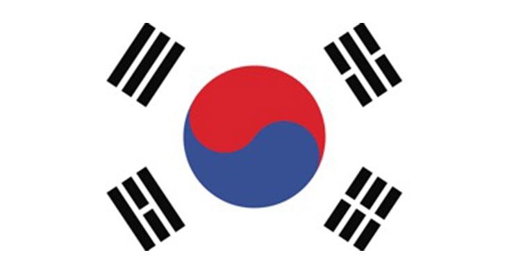 Chinese Drawn to Korean Cosmetics