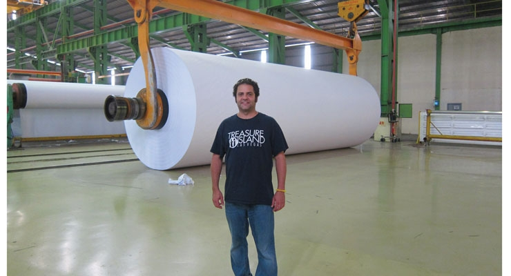 L&NW editor Steve Katz in   Indonesia with a very large roll of paper.