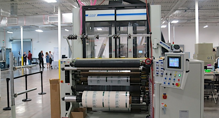 Exhibitors, factory tour highlight AWA sleeve labeling event