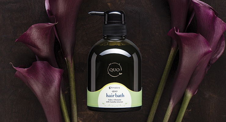 With hair products featuring Tahitian black pearl extract, Amatora Quo sourced stock packaging from Takemoto that was equally luxurious.