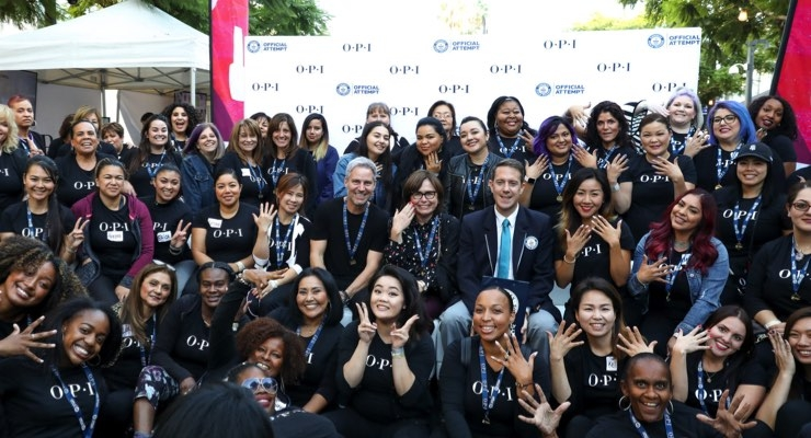 OPI Makes World Record for Manicures