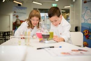 Henkel Encourages Young Scientists