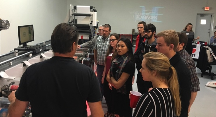 Omet demonstrates flexo innovation to college students