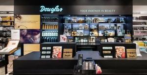 Douglas Focuses on E-Commerce