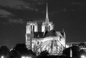 LVMH Pledges to Rebuild Notre Dame