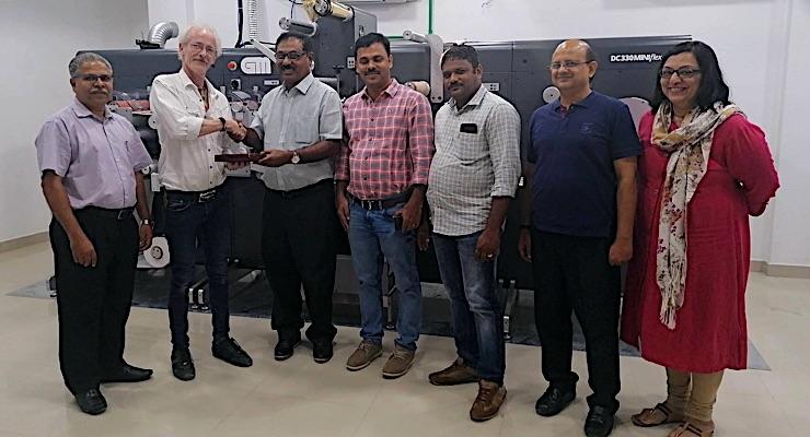 Indian converter adds GM dual varnish label finisher