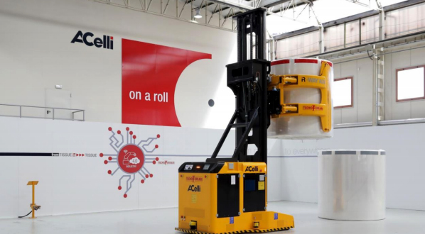 Less human intervention in the warehouse with robot AGVs