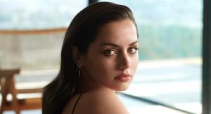 Estée Lauder Signs Actress Ana de Armas