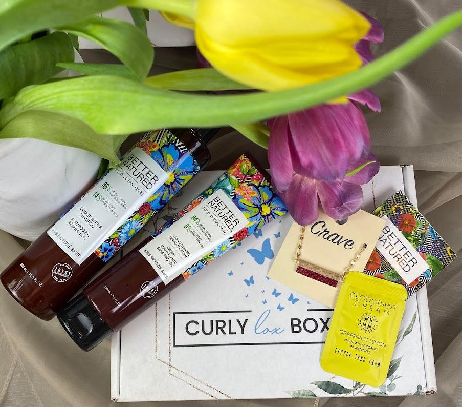 CurlyLox Box Offers Beauty Subscription Service for Textured Hair