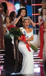 Amway awarded a $50,000 scholarship to the new Miss America 2013