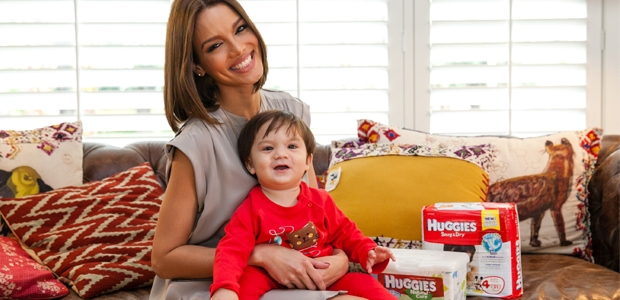 Former Miss Universe and new mom Zuleyka Rivera partners with Huggies brand to put new and improved products to the test. (PRNewsFoto/Kimberly-Clark Corporation)
