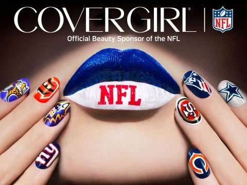 CoverGirl Shows Team Spirit
