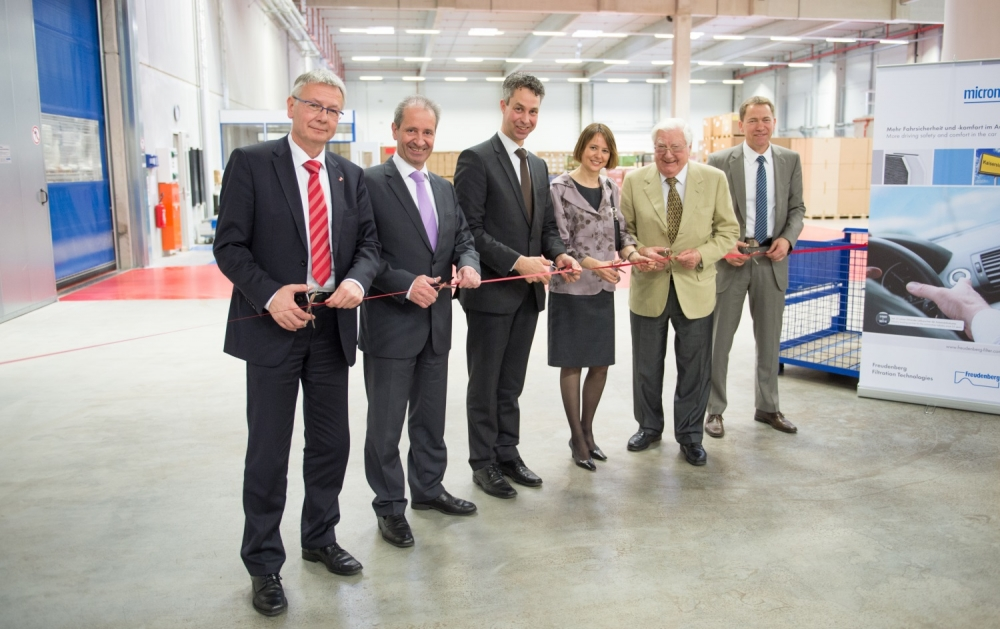 Freudenberg opens new logistics center