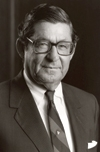 H. Russell Smith, former leader of Avery Dennison, dies at 100