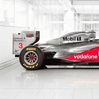 AkzoNobel becomes a full technology partner of McLaren Group