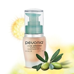 Pevonia's YouthRenew Is a 5-in-1 Moisturizer