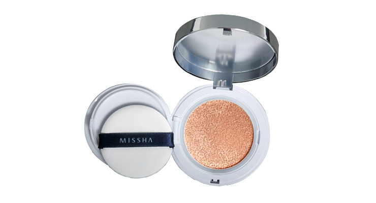 A Look at the Many Cushion Compacts on the Market