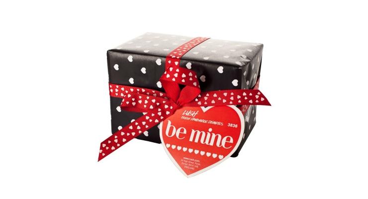 Retailers Expect Valentine's Day 2016 To Break Spending Records