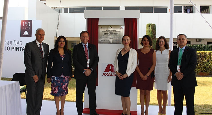From left to right: Francisco X. Gonzalez, President Axalta Mexico; Undersecretary of Industrial Development of the State of Mexico, Laura Gonzalez; Charles W. Shaver, Axalta Chairman and CEO; Tatjana Heinrich, Managing Partner of the German-Mexican Chamber of Commerce and Industry; Aurora Denisse Ugalde, President of the Municipality of Tlalnepantla; Ana Lopez, Executive Vice President and General Director of the American Chamber; Jorge Cossio, President Axalta Latin America.