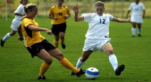 Wearable Neuromuscular Device May Help Reduce ACL Injuries in Female Soccer Players