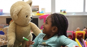 Snuggle Donates 5,000 Bears to Children in Need