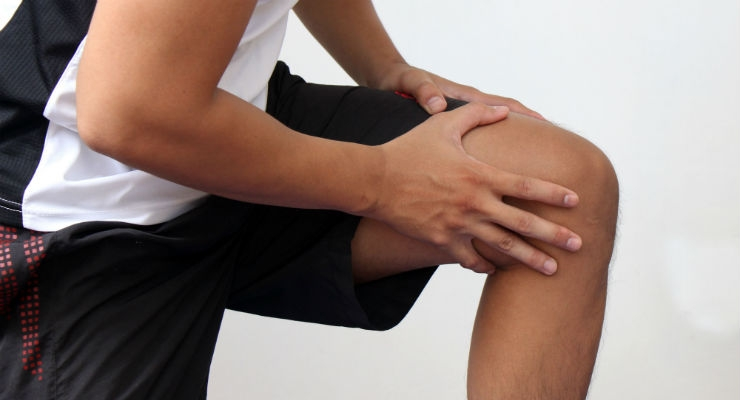 Stem Cell 'Living Bandage' for Knee Injuries Trialed in Humans