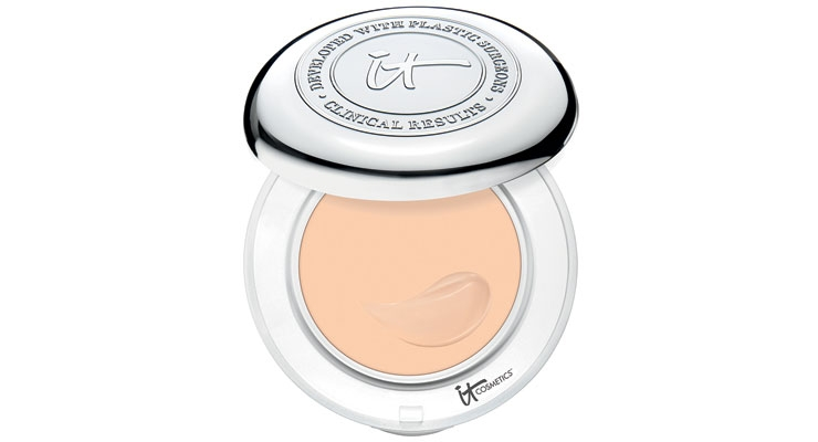 IT Cosmetics' Confidence In a Compact is new for Spring 2017.