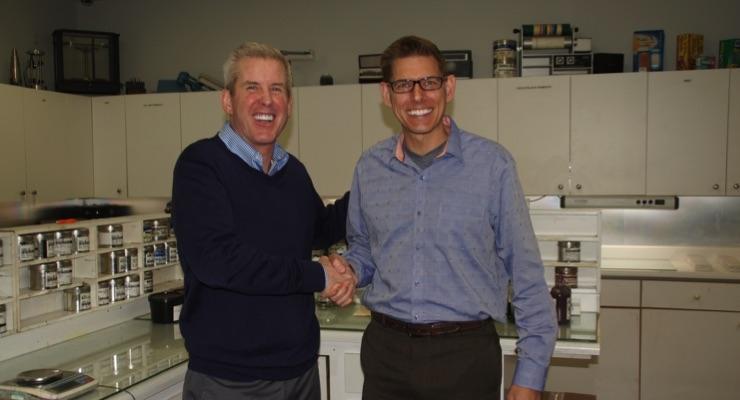Tom Alden (left), President of Alden & Ott and Derek McFarland (right), President - Americas, hubergroup USA