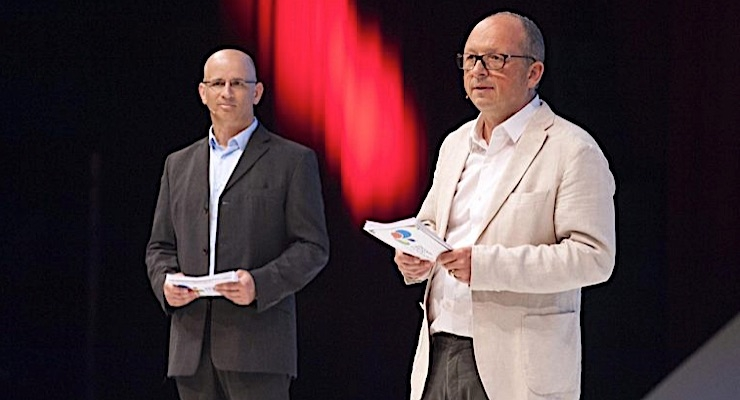 Eran Friedman (L), Dscoop EMEA chairman, on stage with Olivier Gravet, Dscoop conference chairman for 2017.
