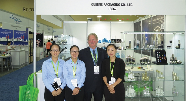 Queens Packaging (L-R): Andy Qin, Rebecca Dong, Mike Daum, Simmer Wang