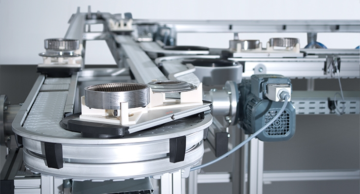 Offering a flexible, modular plastic chain conveyor design, Varioflow plus is an energy efficient and easy to assemble plastic chain conveyor for automation solutions. Image courtesy of Bosch Rexroth.