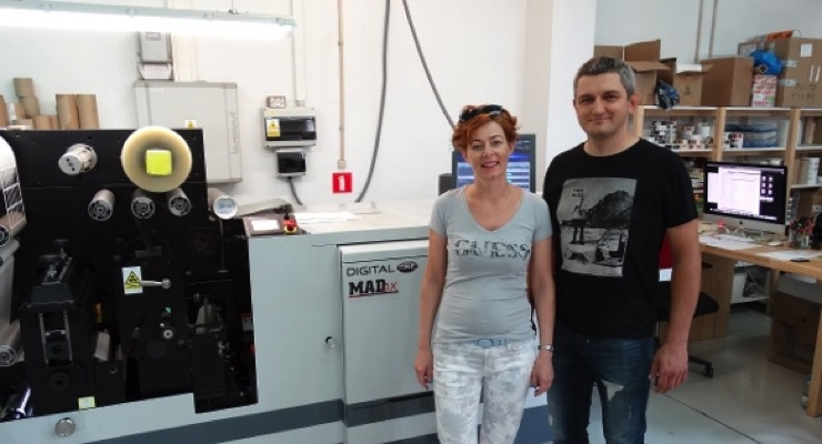 Sylwia and Miroslaw Dudek chose the Mark Andy Digital One press for its ability to handle Primera's short-run work in one pass.