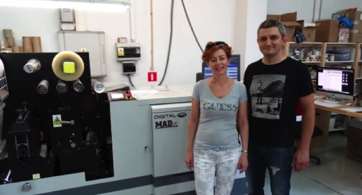Sylwia and Miroslaw Dudek chose the Mark Andy Digital One press for its ability to handle Primera's short-run work in one pass. (Source: Mark Andy)