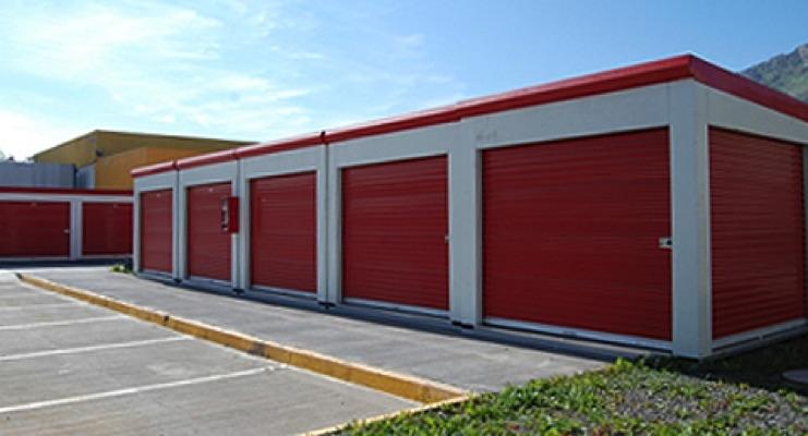 Beckers Launches BECKRYGARD Line for Garage Doors