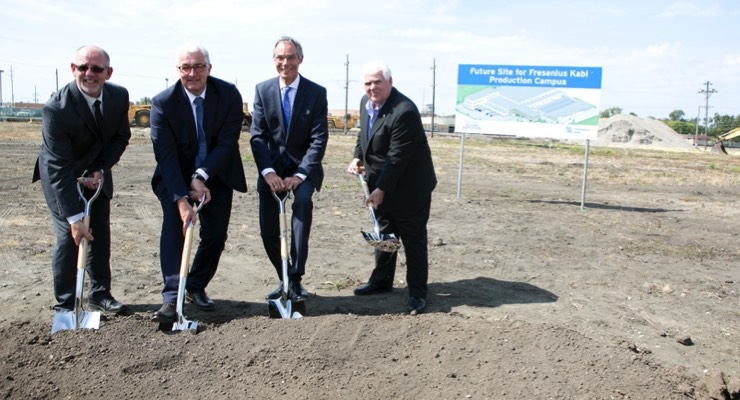 From left to right: Fresenius Kabi executives Steve Nowicki, Dr. Michael Schönhofen and John Ducker joined Mayor Ron Serpico of Melrose Park at the groundbreaking ceremony.