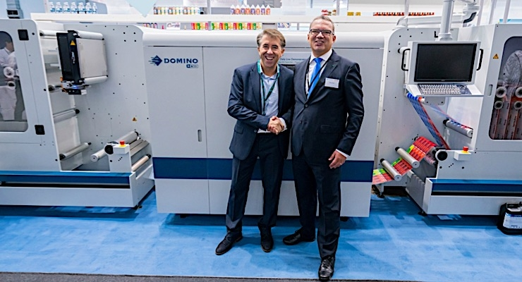 (L) Joaquim Pérez of Autajon (Sinel) and Pedro Marta of Domino at Labelexpo 2017.