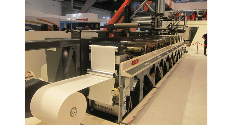 Nilpeter debuted the new FA flexo press with Clean-Hand, a design approach that minimizes hands-on interaction from operators.