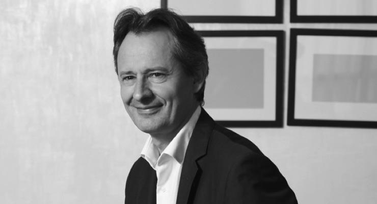 Shiseido Replaces Desazars with Chanel Executive