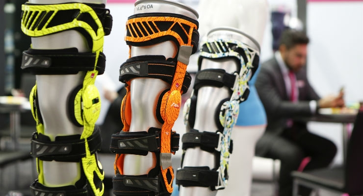 Consumers are seeking medical technology solutions that address aesthetics as well as clinical need. These orthopedic braces respond to that demand with the incorporation of color and designs.