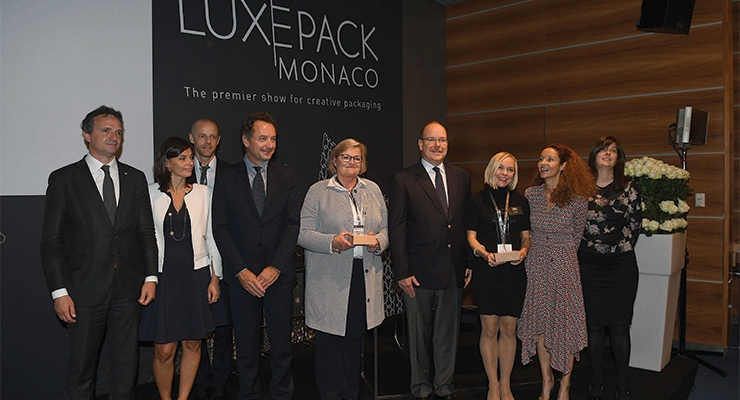 The Luxe Pack in Green ceremony, with Prince Albert II of Monaco (fourth from right)