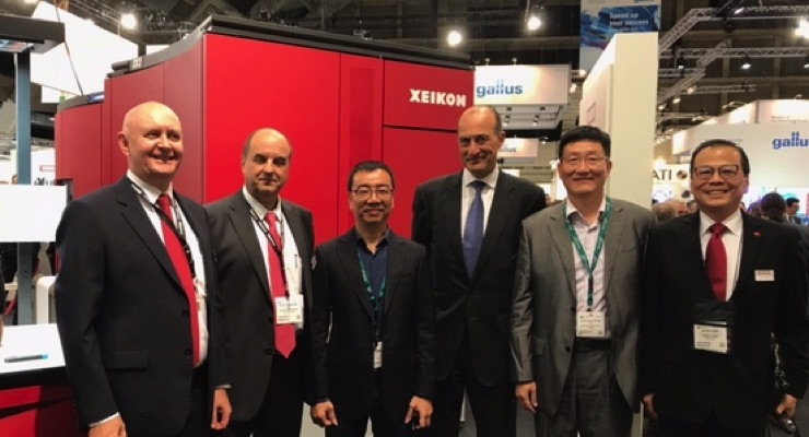 From left, Bent Serritslev (Xeikon's Managing Director Asia Pacific), Benoit Chatelard (President & CEO Digital Solutions FlintGroup), Jiongda Chen (CEO of Guangzhou Hongda), Antoine Fady (Chief Executive Officer of FlintGroup), Dennis Deng (Guangzhou Hongda) and Jackie Chen (Xeikon's General Sales Manager of Greater China).