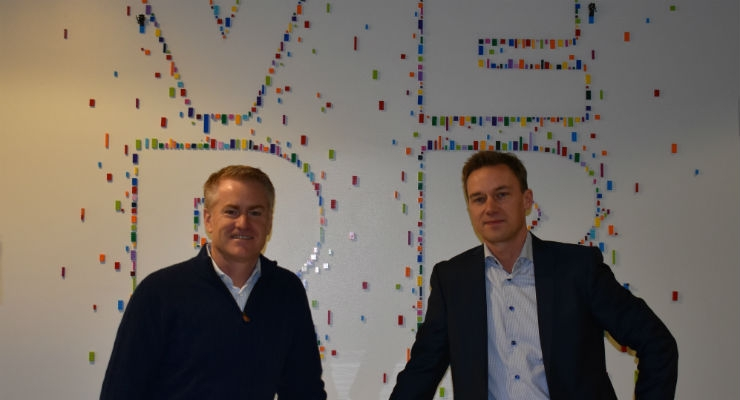 Scott Huennekens (left), president and CEO of Verb Surgical, and Mattias Perjos (right), president and CEO of Getinge.