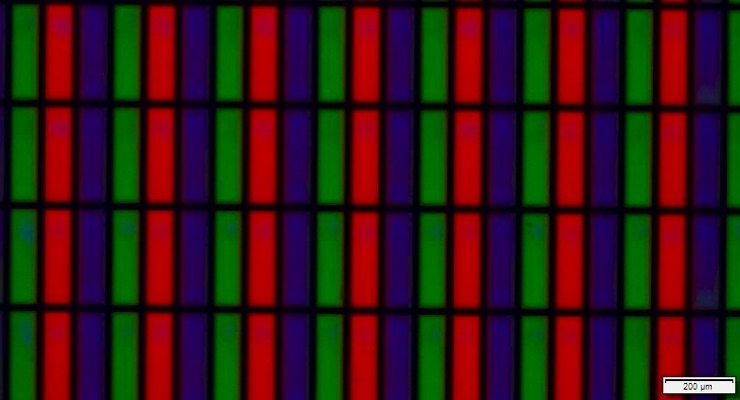 Microscope capture shows Nanosys red and green cadmium-free quantum dots in DIC ink printed into 100 by 300 micron sub-pixels. Pixel size equivalent to a 50-inch UltraHD TV. (Source: Nanosys)