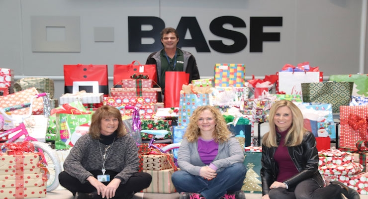 BASF Holiday Gift Drives Support 100 Families, Children in Need
