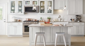 Why Painting Contractors Should Include Cabinet Remodeling Services
